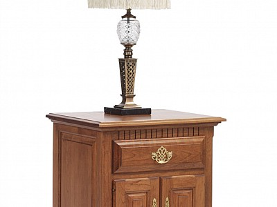 Victoria's Tradition Nightstand