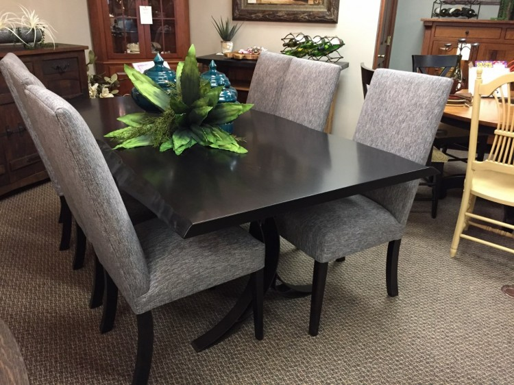 Live Edge Dining Table w/6 Chairs